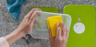 حيل تنظيف أوعية البلاستيك