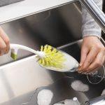 طريقة تنظيف وتلميع أكواب الزجاج